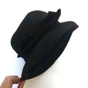 Burberry Accessories - Burberry Vintage Black Wool Bow Trim Bucket Hat